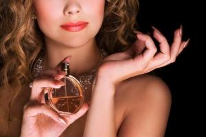 Photo of Top 11 Loại nước hoa phù hợp nhất dành cho cung hoàng đạo nữ